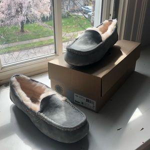NWT NWB UGG ansley slippers moccasins sz 8 womens